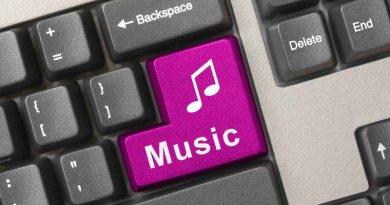 Incepand de azi, utilizatorii de radio si tv pot transmite online playlist-ul