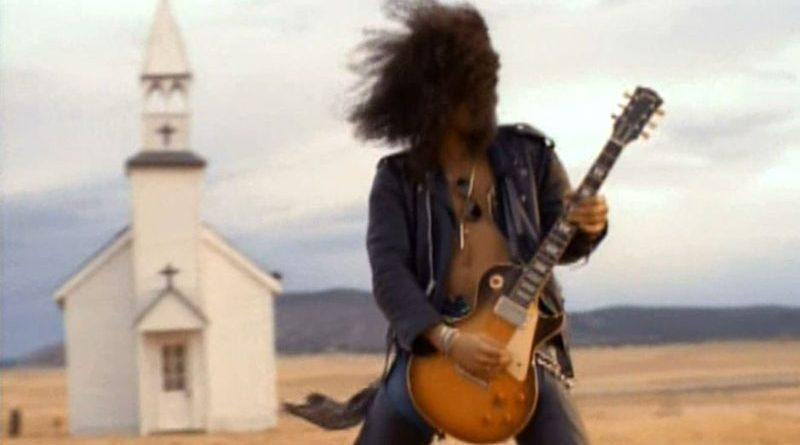 November Rain – Primul videoclip al anilor '90 care atinge 1 miliard de vizualizari pe Youtube