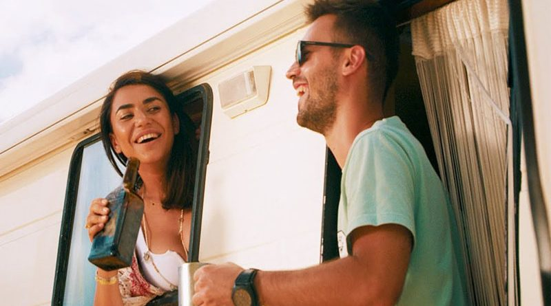 """Dupa ce a intrat in topul Maxima FM din Spania, Paul Damixie lanseaza videoclipul piesei """"Rum & Coke"""""""