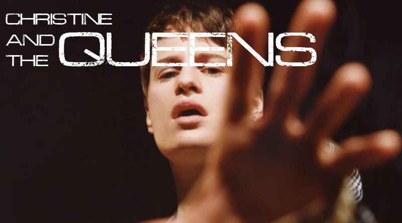 "Christine and the Queens face public videoclipul piesei ""La Marcheuse"""