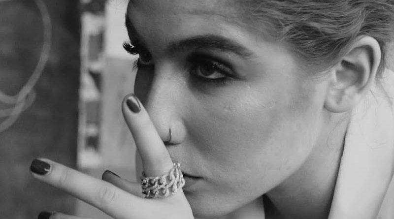 """LULLU lanseaza single-ul """"Sunt doar complice"""", featuring Theo"""
