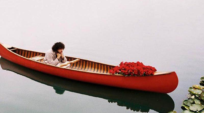 "Benny Blanco & Juice WRLD feat. Brandon Urie lanseaza piesa ""Roses"""