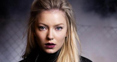 "Astrid S lanseaza videoclipul piesei ""Someone New"""