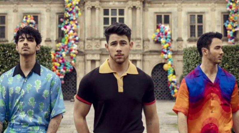 Succes incredibil pentru baietii de la Jonas Brothers!