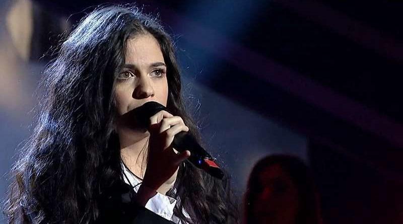 """Dora Gaitanovici lansează melodia """"Haină pe inima ta"""""""