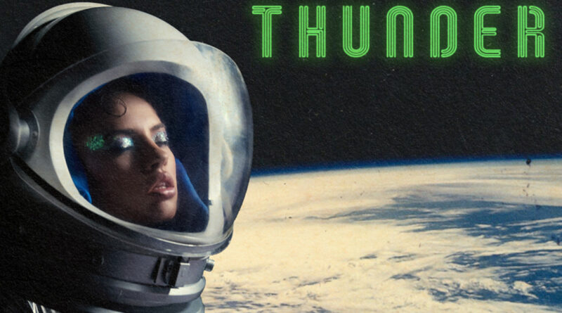 "DARA lanseaza single-ul ""Thunder"""